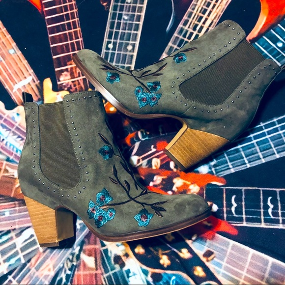 Crown Vintage Gray Embroidered Ankle Booties!
